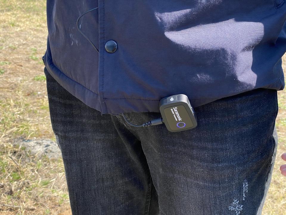 유선 마이크 연결 시에도 깔끔하게 사용할 수 있다.